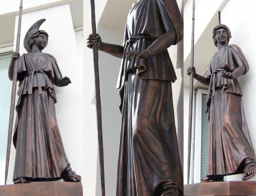 Kovaná socha Atény